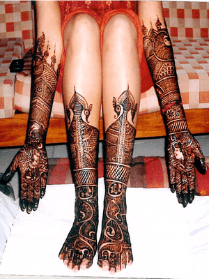 Feet-Mehndi-Designs-For-Pakistani-Bridal-9