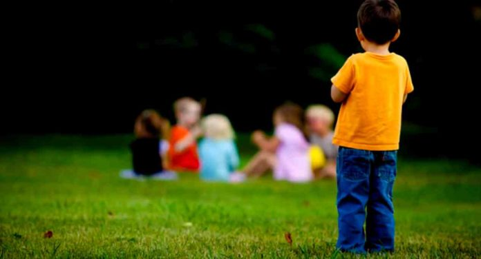 lonely-child-or-entertainment-viaolence-affects-children-behaviour