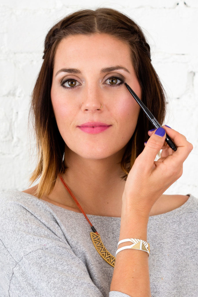 7 Easy & Effective Hacks To Make Your Eyes Look Bigger And Brighter