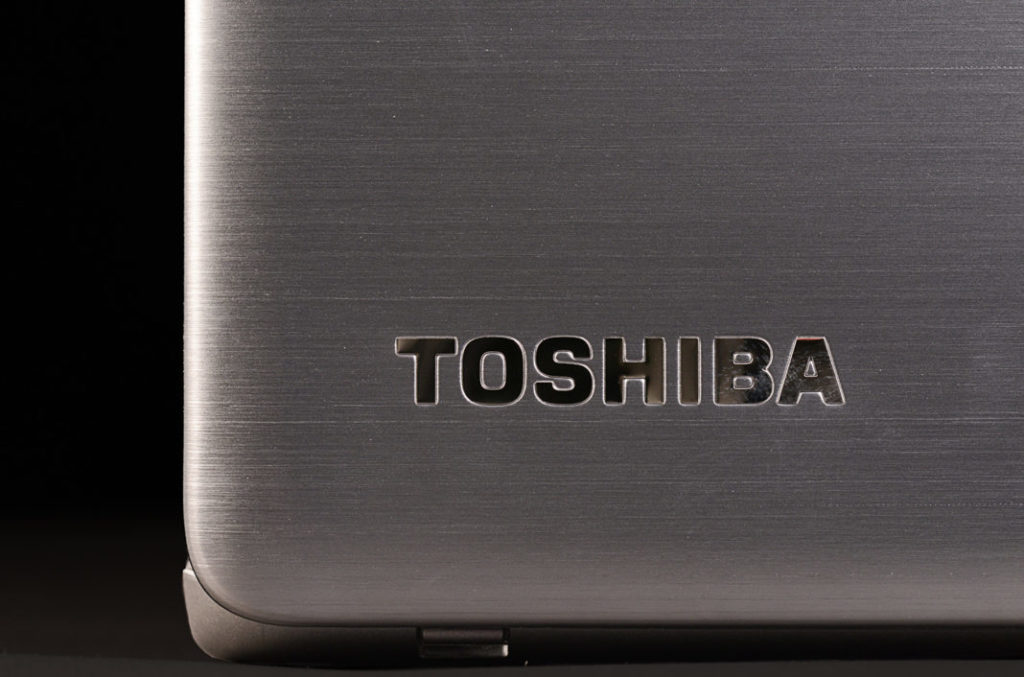 Toshiba-840t-Top 5 Best Working Laptop for 2016 under $1000