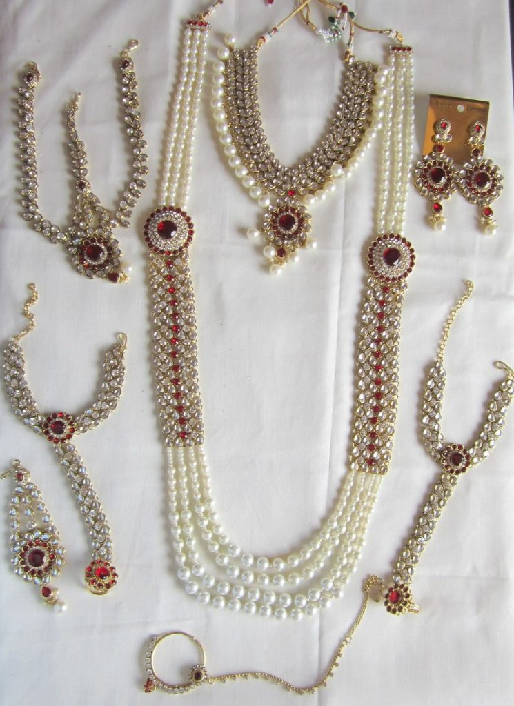 Gold Pearl Necklace Set