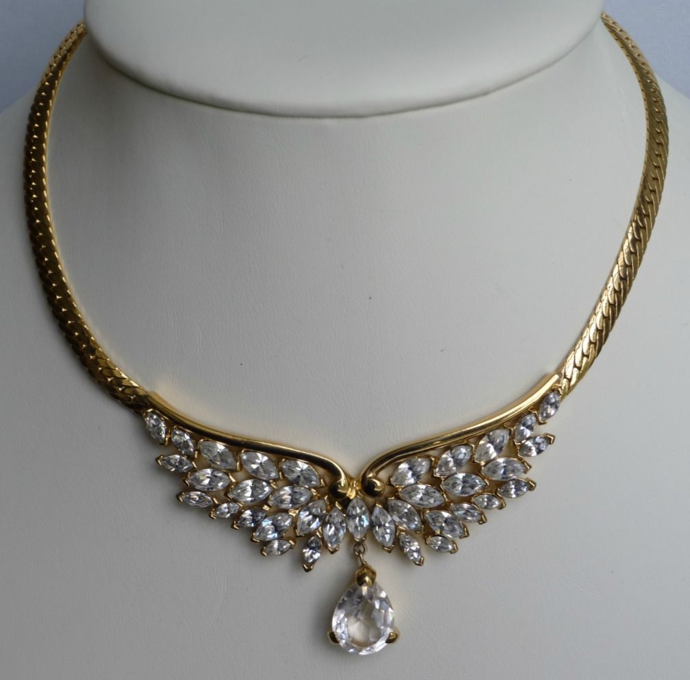 Gold necklace design-simple-gold-necklace-designs-for-bride - ANextWeb