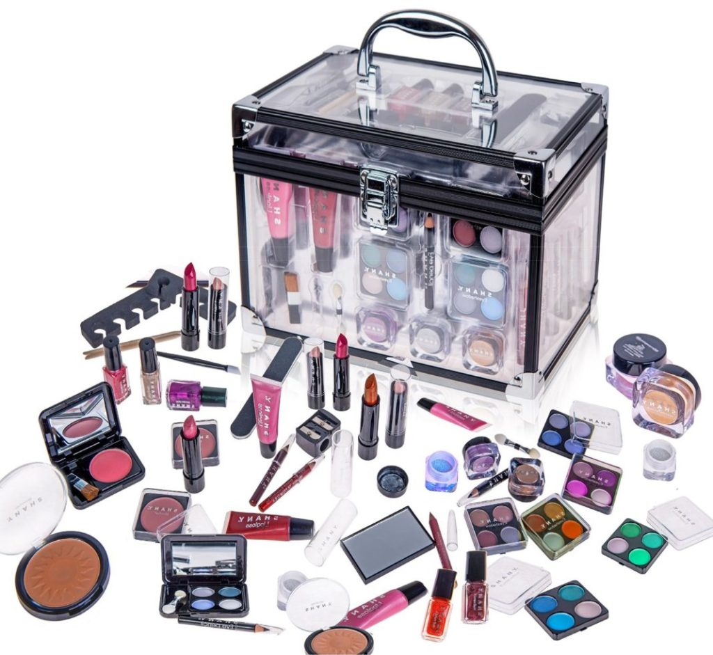 Makeup kit Gift for Girlfriend on Valentines Day Images Ideas