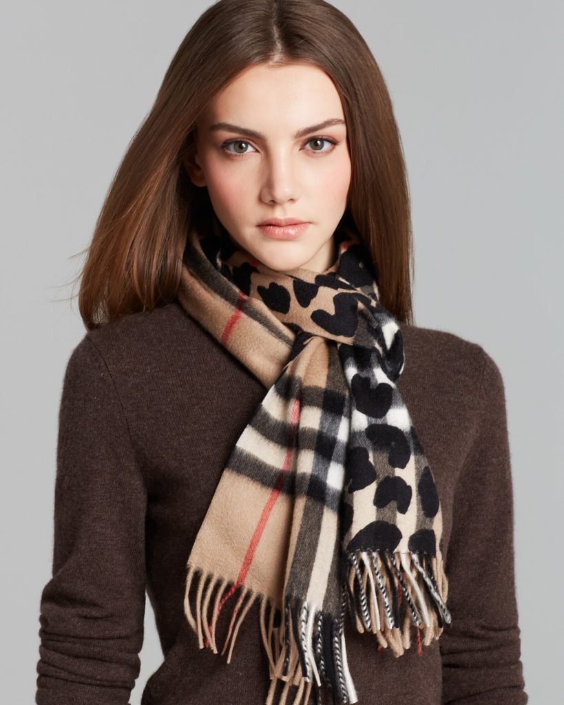Scarves and stoles for women
