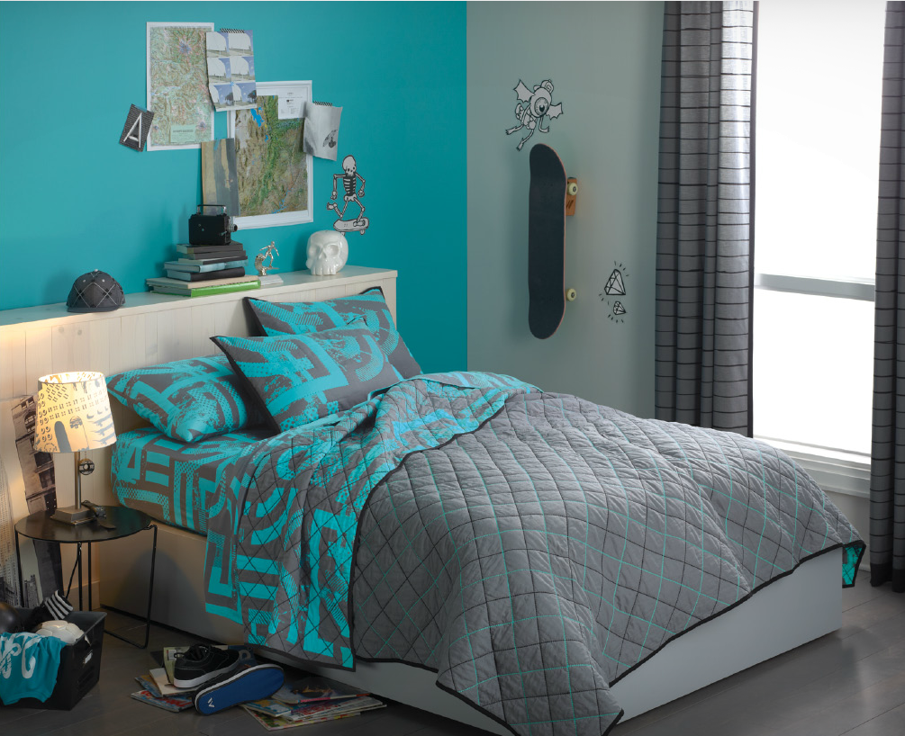 turquoise-exotic-colour-for-bedroom