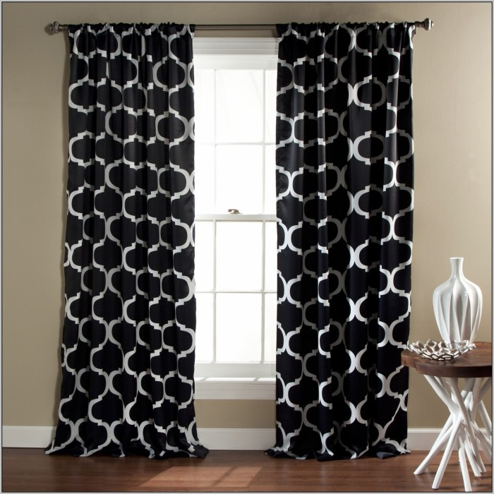 Black-and-white-damask-curtains-target