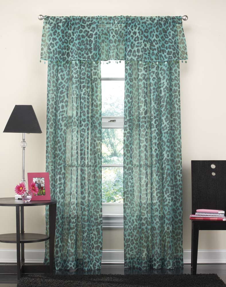 Good Target Bedroom Curtains On Target Draperies You Can Apply Curtain Ideas Target Bedroom Curtains Anextweb